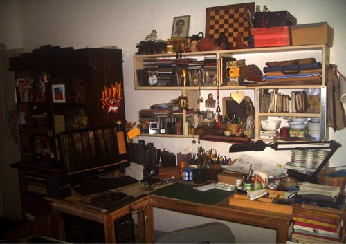Artist Proiti Roy#s workspace and desk