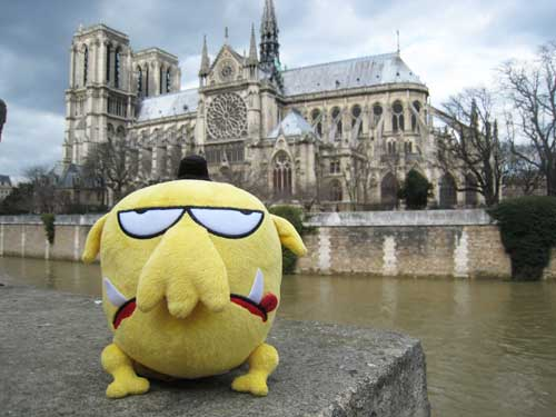 Mr Chicken outside Notre Dame, Paris, photographed by Leigh Hobbs